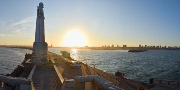 Foto panoramica de la escollera sur de Mar del Plata, hecha por Daiana Notarfranco