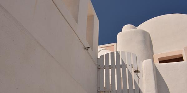 Foto de una escalera en Santorini, hecha por Jorgelina Distefano