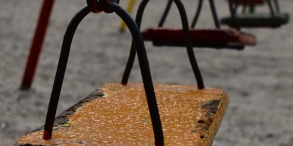 Foto de un hamacas en una plaza, hecha por Valeria Stio